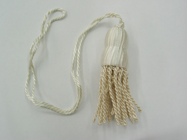 Ivory Shade Tassel (Small)