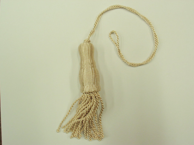 Ivory Shade Tassel (Large)
